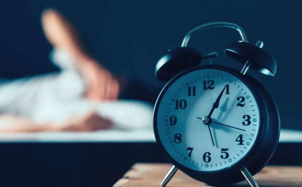 每晚睡6-7小时可预防痴呆,10点睡效果最好