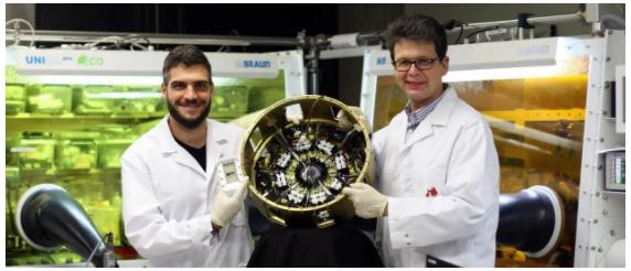 《Joule》:走向太空!钙钛矿/有机太阳能电池完成太空首秀!