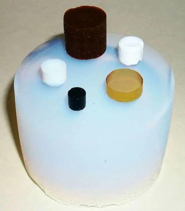 各种类型的气凝胶