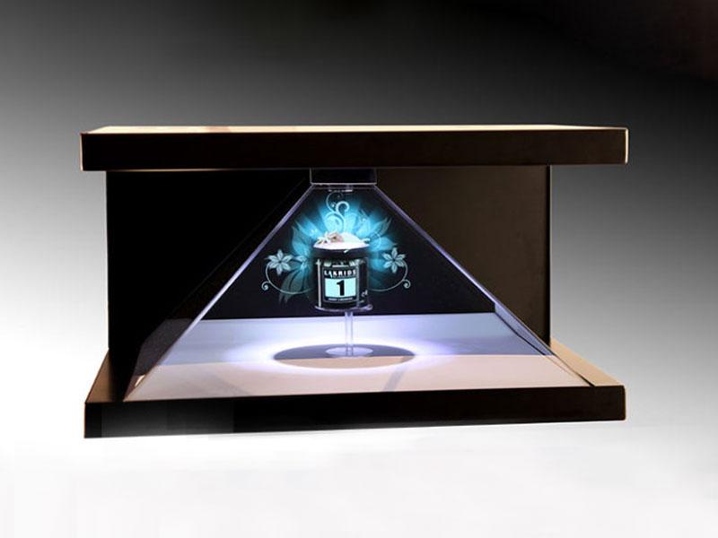 全息投影技术(front-projected holographic display)也称虚拟成像技术