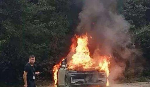 电动车起火到底可怕在哪?国家要求必须预留300秒逃生时间